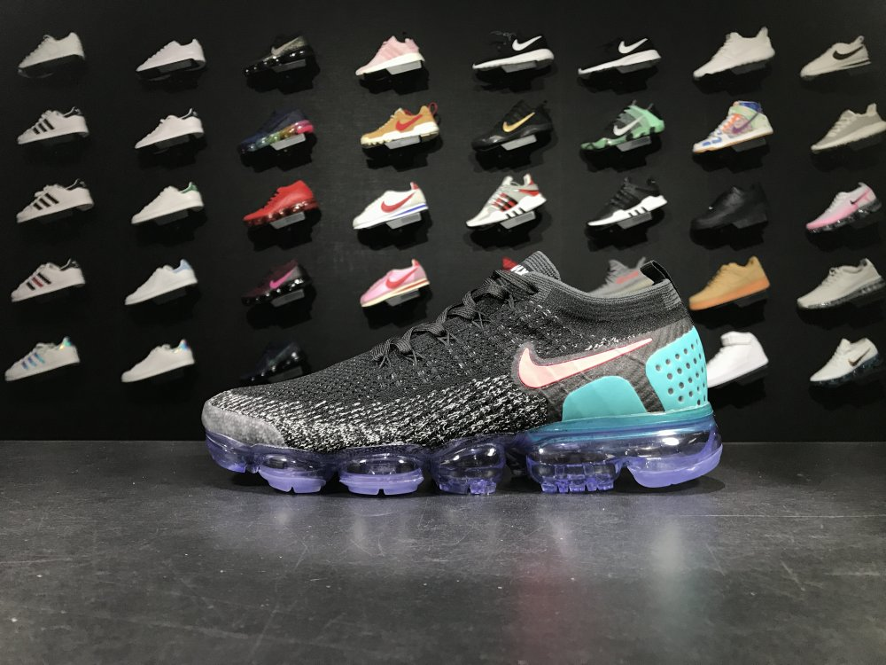 Sneakernews Recommend Nike Air VaporMax 2018 Flyknit 780464 852 Black White Red Blue Shoe For Sale