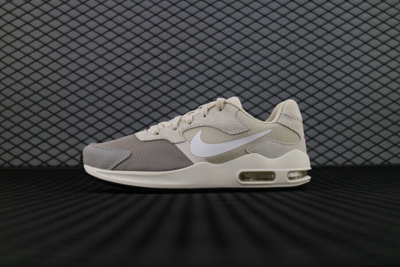 sports shoes d6f3c 021d1 Nike Air Max Guile Khaki White 916768 001 Running Shoe For Sale