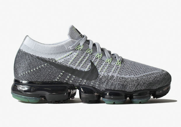 Nike VaporMax Neon 95 Pure Platinum Anthracite White Dark Grey VaporMax Shoe For Sale