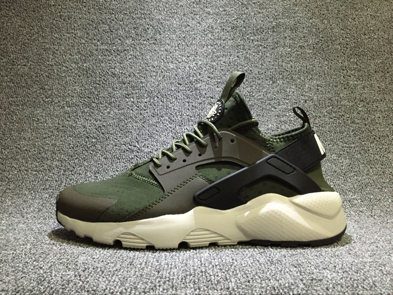 fb75867109e0 Official Nike Air Huarache Army Green White 819685-300 Mens Running Shoe